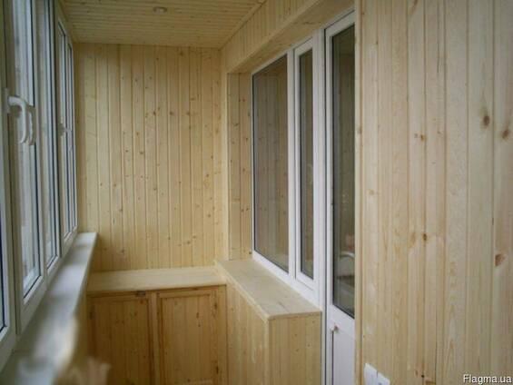 Обшивка и утепление балкона деревянной вагонкой