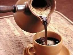 Обжарщик кофейных зерен предлагает более 70 сортов кофе
