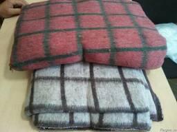 Одеяла и пледы в ассортименте