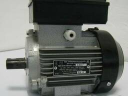 Однофазный электродвигатель АИ1Е 71 А2 У2 (0,75 кВт 3000 об)