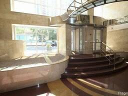 Офісне приміщення з ремонтом в бізнес центрі в Києві.