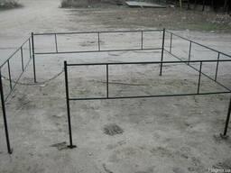 Оградка №1 простейшая стандартная 2.2х2.2 м.