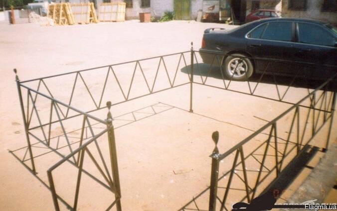 Оградки металлические, кованные.
