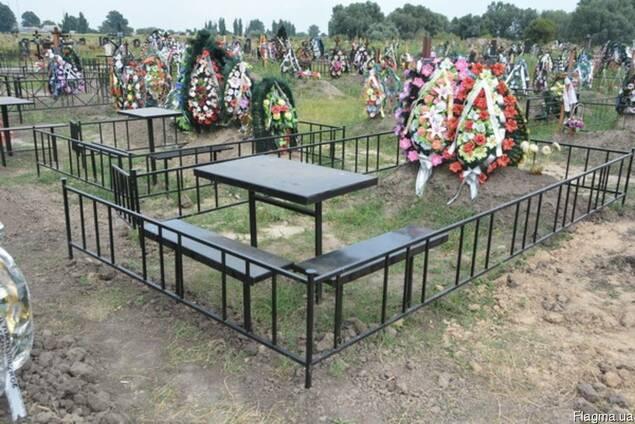 """Оградки на кладбище. """"Броневик"""" Днепропетровск."""