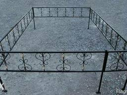 Оградки , столы, лавочки . ритуальна ковка. монтаж. - фото 3