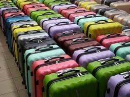 Оптом чемоданы дорожные на 4-х колесах пластик ударопрочный