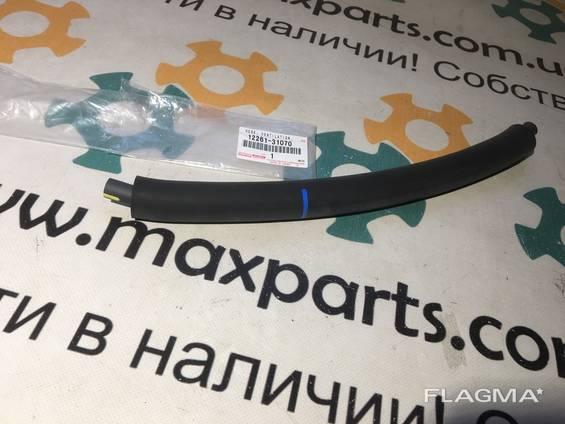 1226131070 12261-31070 Оригинал патрубок шланг отвода вентиляции картерных газов Toyota. ..
