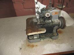Оверлок швейний промисловий зі столом
