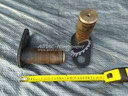 Палец тяги балансира опрокидывающего механизма 60х167 КрАЗ