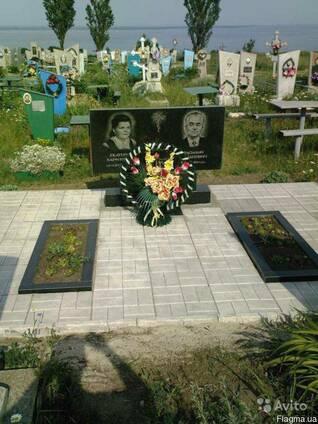 Памятник гранитный 33