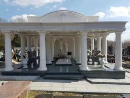 Памятники и ритуальные комплексы из гранита и мрамора