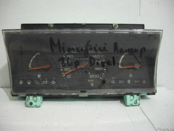 Панель приборов Mitsubishi Lanzer (1984-1988)