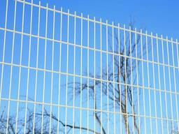 Панельный забор из оцинкованной сетки L2, 5 H2м