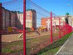 Панельный забор из сварной сетки, цвет - красный