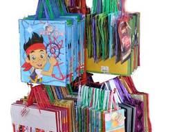 Паперові подарункові пакети