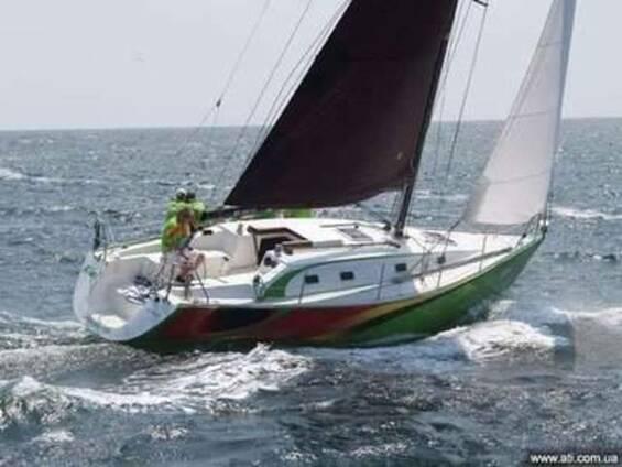 Парусно-моторная яхта Esta 34 (10 м)