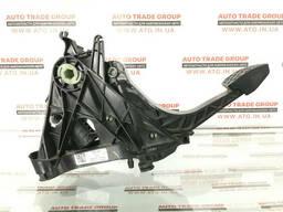 Педаль сцепления VW Jetta MK6 17 USA