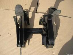 Педаль тормоза, сцепления Vito W638 (1996г-2003г)