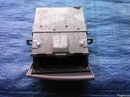 Пепельница 8040A016HA на Mitsubishi L200 05-12 (Митсубиши Л