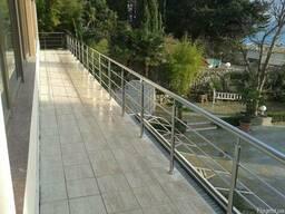 Перила из нержавейки для балконов в Крыму