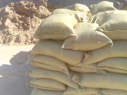 Песок в мешках овражный доставка на объекты Киева