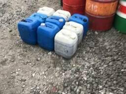 Пластмассовые канистры для хранения жидкостей