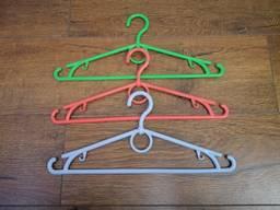 Плечики для одежды с поворотным крючком