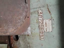 Плоско-шлифовальный станок модели 3л725вф10