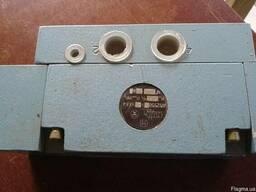 Пневмораспределитель 4152550-101-03 складское хранение 05