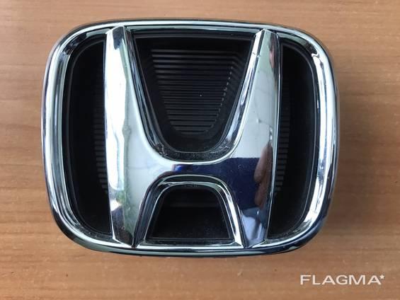 Подиум с эмблемой Honda CR-V 2011 год