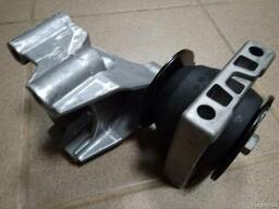 Подушка двигателя передняя Рено Маскот