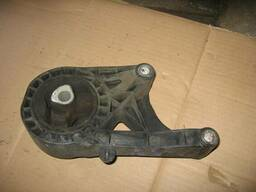 Подушка крепление мотора Opel Vectra C 13220095