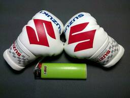 Подвеска (боксерские перчатки) Suzuki White