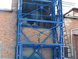 Подъёмник грузовой складской шахтный, грузовой лифт на склад