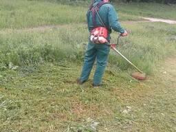 Покос травы в Полтаве
