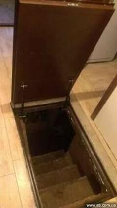 Потайной напольный люк под плитку на газовых пружинах