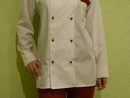 Китель женский белого цвета и бордовые брюки в наличие
