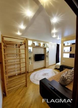 Предлагается к продаже стильная, двухкомнатная квартира в новом доме ЖК Романовский
