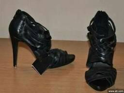 Предлагаю оптом обувь сток.