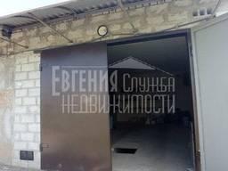 Продам. гараж под гаражный бокс, Лазурный, ширина ворот 2,5 м , высота