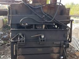 Пресс для металлолома.