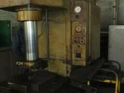 Пресс гидравлический П6330 (100 т), П6326 (40 т), П6320Б (10 т)