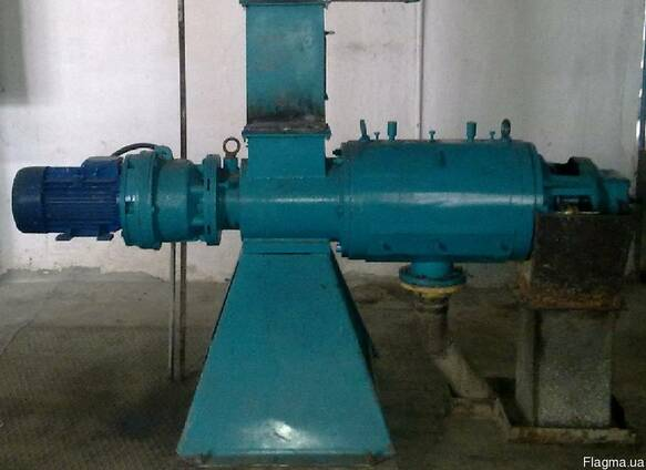 Пресс для отжима сырья до влажности 60-65%.