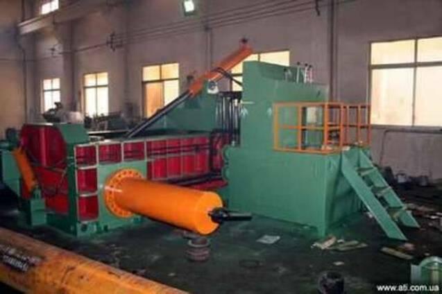 Пресс пакетировочный для металлолома Y81F-200