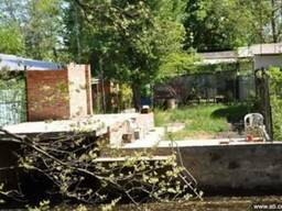 Причал на берегу р. Днепр со спуском к воде с участка