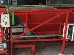 Приемный бункер для чеснока с горизонтальным конвейером