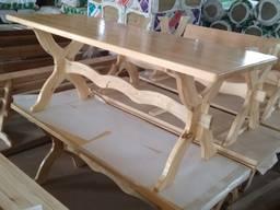Прода столы, лавки.