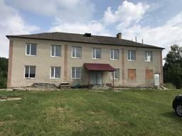 Продається будинок під комерційну діяльність 20 км від Тернополя. Два поверхи.
