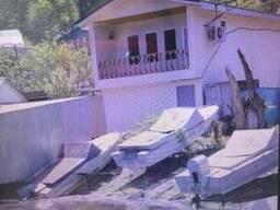 Продается отличный дом с выходом на воду 2 лодки