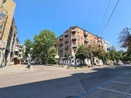 Продам 1 ком. квартиру в центре Днепра